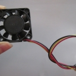 พัดลมระบายความร้อน 3สาย 4cm*4cm 12V