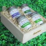 SenOdos ชุดของขวัญ ชุดกิ๊ฟเซ็ท เทียนหอมอโรม่า ชุด กลิ่นธรรมชาติ Earthly Passion Set 45g x 4กลิ่น (กลิ่นแครี่เสจ, กลิ่นแพทชูลี่, กลิ่นโรสแมรี่, กลิ่นทีทรีออยล์) บรรจุในกล่องไม้สน รูปทรงเหลี่ยม สวยงาม คุณภาพดี นำเข้าจากนิวซีแลนด์