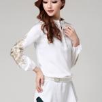 [พร้อมส่ง] เสื้อแขนยาวสีขาว เนื้อผ้าcotton blend, polyester ปักลวดลายสีทองบริเวณแขนทั้งสองข้าง สวยเหมือนแบบค่ะ รหัส A231