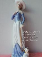 ตุ๊กตาพอร์ซเลนรูปหญิงสาว จูงหมาน้อย รหัสสินค้า VT0011