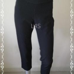 TR0023-กางเกงผ้า มือสอง สีเทา ลายทาง เอว 27 นิ้ว