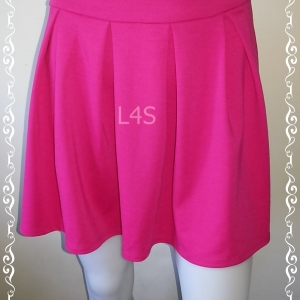 กระโปรงผ้า สีมชมพูบานเย็น แบรนด์เนม เอว 27-28 นิ้ว