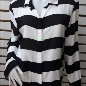 เสื้อเขิ้ต มือสอง สีขาวดำ แบรนด์ H&M อก 42 นิ้ว