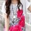 เสื้อแฟชั่น เสื้อสีขาว แต่งรูปดอกสีชมพู ทั้งหน้า-หลัง thumbnail 3