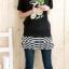 เสื้อยืดสีดำ สกรีนลายน่ารัก ใส่ได้ทั้งแบบคอกลม หรือคอปาด สวยเปรี้ยว thumbnail 3