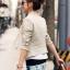 เสื้อสูททำงาน สีครีม SizeM ไม่มีปก ตัวสั้น แขนยาว แต่งกระเป๋าหลอก thumbnail 2