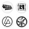 ของที่ระลึกวง Linkin Park เลือกด้านหลังได้ 4 แบบ เข็มกลัด, แม่เหล็ก, กระจกพกพา หรือ พวงกุญแจที่เปิดขวด 1 แพ็ค 4 ชิ้น [18]