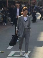 ชุดสูทสีเทาครบเซท โซอา เสื้อสูทแขนยาว+กางเกงขายาว