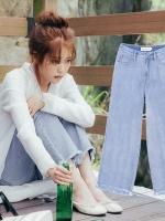 กางเกงยีนส์ขายาว แฮซู Moon Lovers แต่งปลายขาเซอร์ๆ