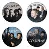ของที่ระลึกวง Coldplay เลือกด้านหลังได้ 4 แบบ เข็มกลัด, แม่เหล็ก, กระจกพกพา หรือ พวงกุญแจที่เปิดขวด 1 แพ็ค 4 ชิ้น [8]