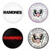 ของที่ระลึกวง Ramones เลือกด้านหลังได้ 4 แบบ เข็มกลัด, แม่เหล็ก, กระจกพกพา หรือ พวงกุญแจที่เปิดขวด 1 แพ็ค 4 ชิ้น [20]