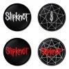 ของที่ระลึกวง Slipknot เลือกด้านหลังได้ 4 แบบ เข็มกลัด, แม่เหล็ก, กระจกพกพา หรือ พวงกุญแจที่เปิดขวด 1 แพ็ค 4 ชิ้น [2]