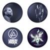 ของที่ระลึกวง Linkin Park เลือกด้านหลังได้ 4 แบบ เข็มกลัด, แม่เหล็ก, กระจกพกพา หรือ พวงกุญแจที่เปิดขวด 1 แพ็ค 4 ชิ้น [8]