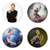 ของที่ระลึกวง Coldplay เลือกด้านหลังได้ 4 แบบ เข็มกลัด, แม่เหล็ก, กระจกพกพา หรือ พวงกุญแจที่เปิดขวด 1 แพ็ค 4 ชิ้น [20]