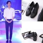 รองเท้าหนังเกาหลี ซง จุง-กิ สีดำ แต่งสายผูกด้านหน้า