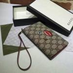 กระเป๋าสตางค์/ คลัช GUCCI with embroidered face มี2สี แดงเข้ม และ สีชมพู