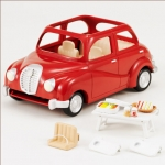 ซิลวาเนียน..รถครอบครัวสีแดงพร้อมอุปกรณ์ปิคนิค (EU) Sylvanian Families Red Family Saloon Car
