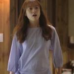 เสื้อแฟชั่นสีน้ำเงิน โอยอนจู W Two Worlds แต่งผูกข้าง