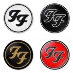 ของที่ระลึกวง Foo Fighters เลือกด้านหลังได้ 4 แบบ เข็มกลัด, แม่เหล็ก, กระจกพกพา หรือ พวงกุญแจที่เปิดขวด 1 แพ็ค 4 ชิ้น [6]