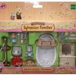 ซิลวาเนียน เฟอร์นิเจอร์ห้องอาบน้ำกับพี่สาวและเบบี้หมี (EU) Sylvanian Families Bathroom with Olivia & Baby Benjamin
