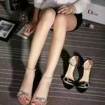 รองเท้าแบรนด์เนม Dior สวยมาก มี2สี กรุณาเลือกสีด้านใน ,งานhiend original สินค้านำเข้า เกรดดีสุดในท้องตลาด คัดสรรมาอย่างดี