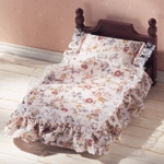 ซิลวาเนียน เตียงลายลูกไม้ Sylvanian Families Classic Antique Bed