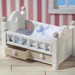 ซิลวาเนียน เตียงเบบี้สีขาวมีลิ้นชัก (JP) Sylvanian Families White Cot