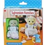 ซิลวาเนียน แม่บ้านพร้อมอุปกรณ์ความสะอาด (UK) Sylvanian Families Housekeeping Set