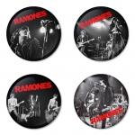 ของที่ระลึกวง Ramones เลือกด้านหลังได้ 4 แบบ เข็มกลัด, แม่เหล็ก, กระจกพกพา หรือ พวงกุญแจที่เปิดขวด 1 แพ็ค 4 ชิ้น [6]