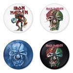 ของที่ระลึกวง Iron Maiden เลือกด้านหลังได้ 4 แบบ เข็มกลัด, แม่เหล็ก, กระจกพกพา หรือ พวงกุญแจที่เปิดขวด 1 แพ็ค 4 ชิ้น [8]