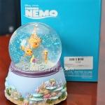 [หมดค่ะ] ลูกแก้วดนตรีมีแสงไฟนีโม (Disney Finding Nemo Musical Snowglobe) V50