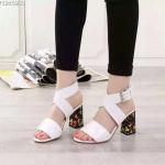 รองเท้าแบรนด์เนมFendi มี3สี กรุณาเลือกสีด้านใน ,งานhiend original สินค้านำเข้า เกรดดีสุดในท้องตลาด คัดสรรมาอย่างดี