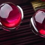 ต่างหูสไตล์เรียบหรูแพลตินั่มสวยงามด้วยพลอยสีแดง (Ruby)สวมใส่ได้ทุกโอกาส