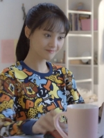 เสื้อแฟชั่นแขนยาวลายการ์ตูนทั้งตัว แต่งขอบ เวยเวยเธอยิ้มโลกละลาย
