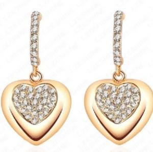 ต่างหูสไตล์อินเทรนด์รูปหัวใจ 18k Gold Plated ประดับคริสตัลขาวตรงกลางดูโดดเด่นน่ารัก ขนาด1.5*2.6CM