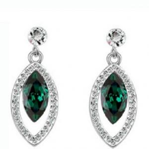 ต่างหูสไตล์คลาสิค18K White Platinum Platedlสวยงามด้วยคริสตัลจากออสเตเรียสีเขียว ขนาด1.4*3.5CM