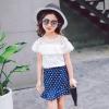 ชุดเซ็ทสาวน้อย เสื้อมาพร้อมกระโปรงสีน้ำเงินลายจุดสีขาว ใส่แล้วดูเก๋น่ารักมากๆเลยค่ะ