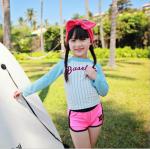 ชุดว่ายน้ำเด็ก เสื้อแขนยาวสีฟ้า+กางเกงขาสั้นสีชมพู ใส่เล่นน้ำน่ารักมากๆเลยค่ะ