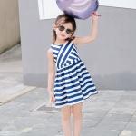 ชุดเดรสเด็กหญิงแขนกุด ซิปหลังลายขวางสีขาวสลับน้ำเงิน น่ารักมากค่ะ