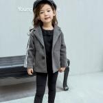 เสื้อคลุมเด็กสีเทา ทรงสวยสไตล์สาวเท่ห์มีกระเป๋าด้านหน้า ใส่คลุมกับชุดไหนก็สวยค่ะ