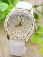 นาฬิกาแฟชั่นผู้หญิงหน้าปัดประดับกากเพชรสายหนังสีขาว