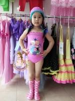 ชุดว่ายน้ำ Frozen สีชมพู เว้าด้านข้างทั้ง 2 ด้าน + หมวก น่ารักมากค่ะ