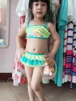 ชุดว่ายน้ำทูพีชทิงเกอเบลสีเขียว สายปรับได้ค่ะ น่ารักมากๆ เลย