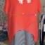 เสื้อคลุมท้องสีแดงเป็นผ้า 2 ชั้นด้านในเป็นผ้ายืดลายขาวดำ ด้านนอกเป็นผ้าชีฟองสีแดงสด ช่วงคอเป็นผ้าลูกไม้ thumbnail 3