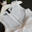 ชุดเดรสผ้าลูกไม้สีขาว ต่อด้วยกระโปรงฟูมีซับใน ติดโบว์ด้านหลัง สวยเหมือนแบบ ชุดนี้ใส่ออกงานได้เลยค่ะ thumbnail 4