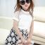 ชุดเซ็ทสาวน้อย เสื้อแฟชั่นสีขาว + กระโปรงลายดอกไม้สีดำ สวยน่ารักมากๆเลยค่ะ thumbnail 3
