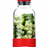 Bingo เครื่องปั่นน้ำผักและผลไม้ แบบพกพา ทำจากแก้วหนา และหัวปั่นทำจากสแตนเลส304 ชาจ์นไฟจากสาย USB 500 ml. 1 เครื่อง