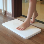 Luxury Wipe Foot - ที่เช็ดเท้าทำจากวัสดุไดอะตอมไมส์ (แข็งแรง เรียบหรู) - สีขาว
