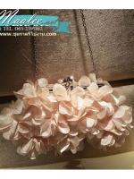 พร้อมส่ง Evening Clutch กระเป๋าออกงาน ทรงดอกไม้สามมิติ สีครีม ประดับคริสตัลคู่ปากกระเป๋า มาพร้อมสายสะพายสั้น/ยาว