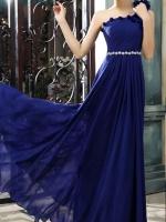 พร้อมเช่า ชุดราตรียาว ไหล่เดียว ผ้าชีฟองคาดเพชรที่เอว แต่งดอกสวย สีน้ำเงิน